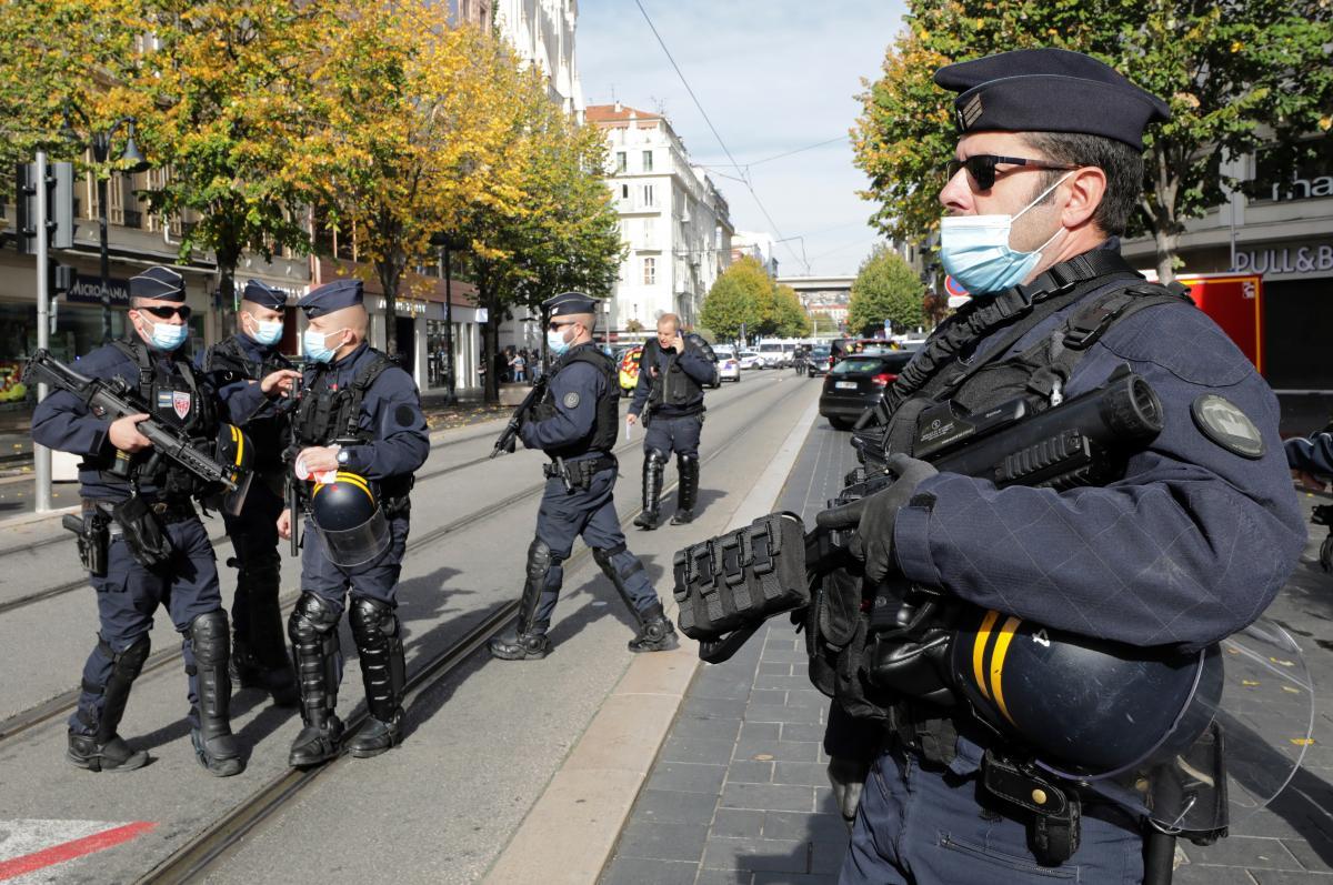 Во Франции до 1 декабря введен жесткийкарантин/ фото REUTERS