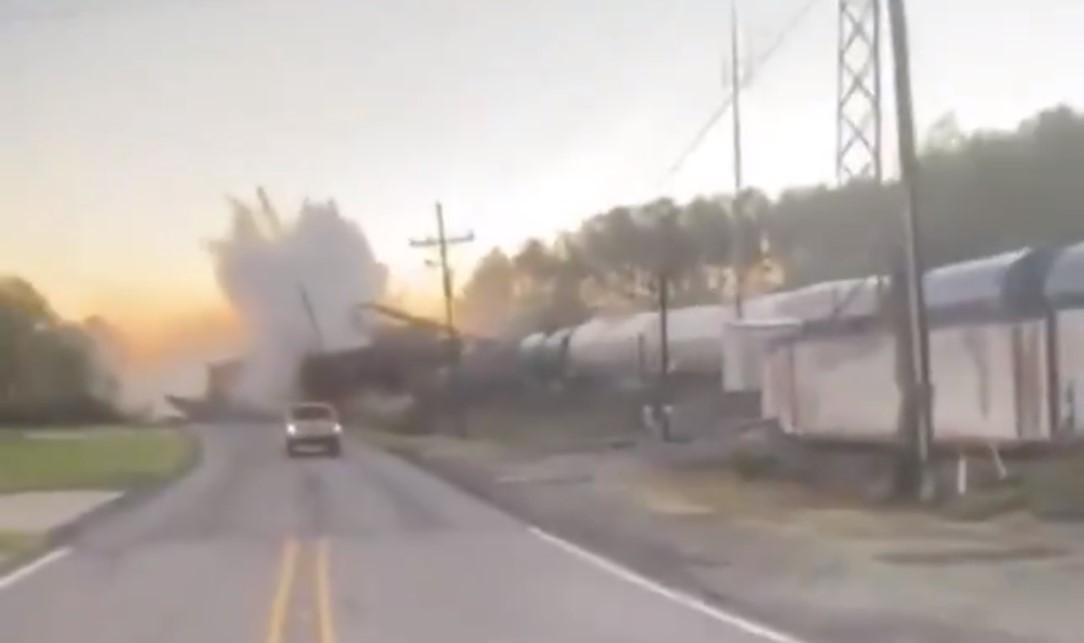 Внаслідок аварії пошкодилися п'ять цистерн / скріншот з відео