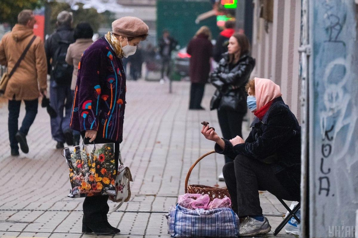 У Києві за минулу добу виявлено 741 новий випадок захворювання на COVID-19 / фото УНІАН