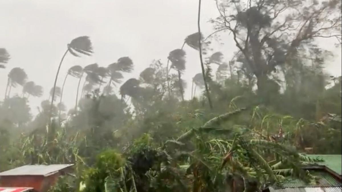 На Філіппіни насувається тайфун Гоні/ фото REUTERS
