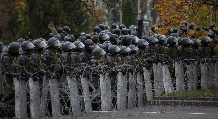 Belarus shutting down border to foreigners from Nov 1