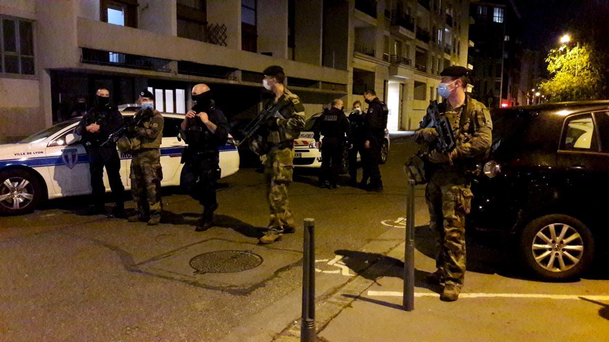 В Лионе стреляли в греческого священника / фото REUTERS