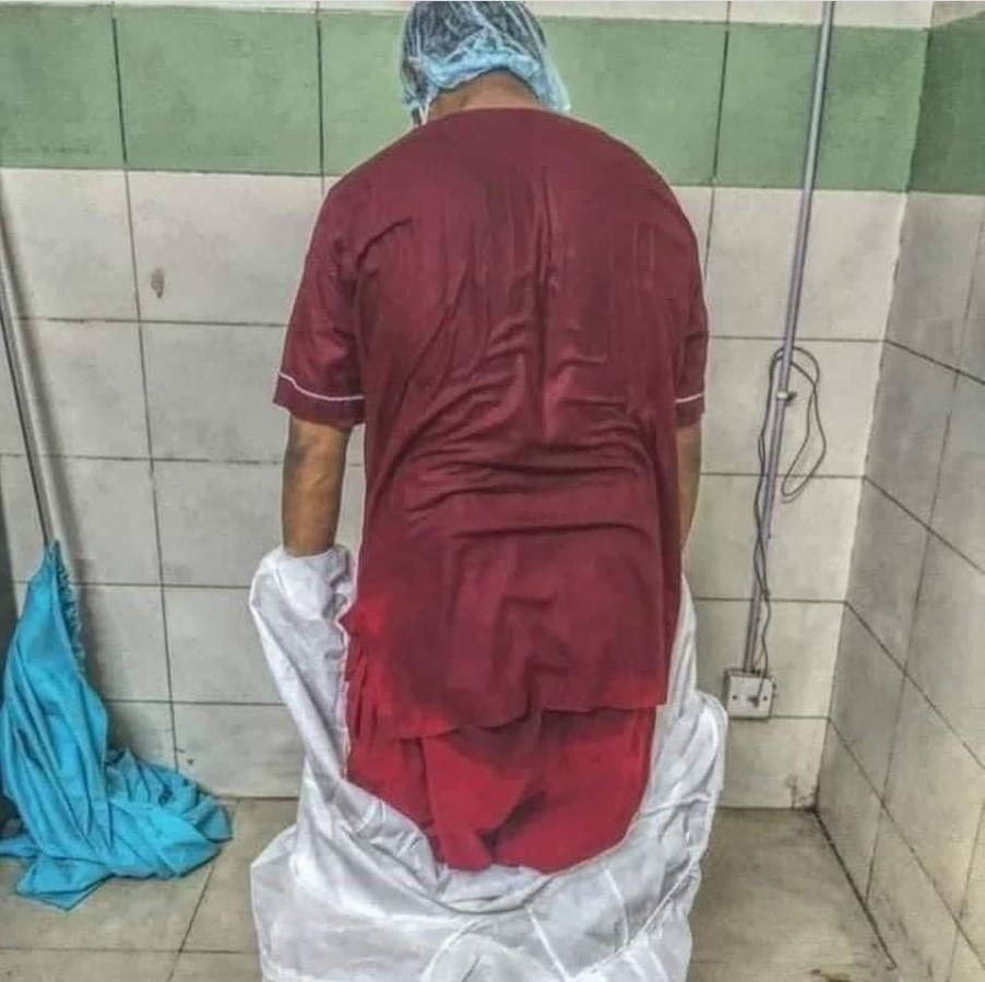 Пациентка рассказала, что медикам приходится работать по 12 часов, не снимая защитного костюма/ фото Ирина Яцык/Facebook