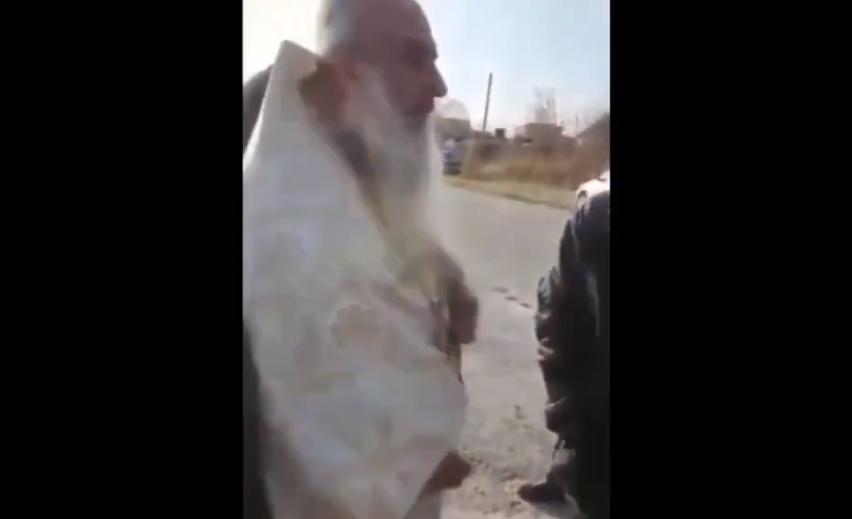 В России пьяный поп сорвал похороны учительницы / скриншот с видео