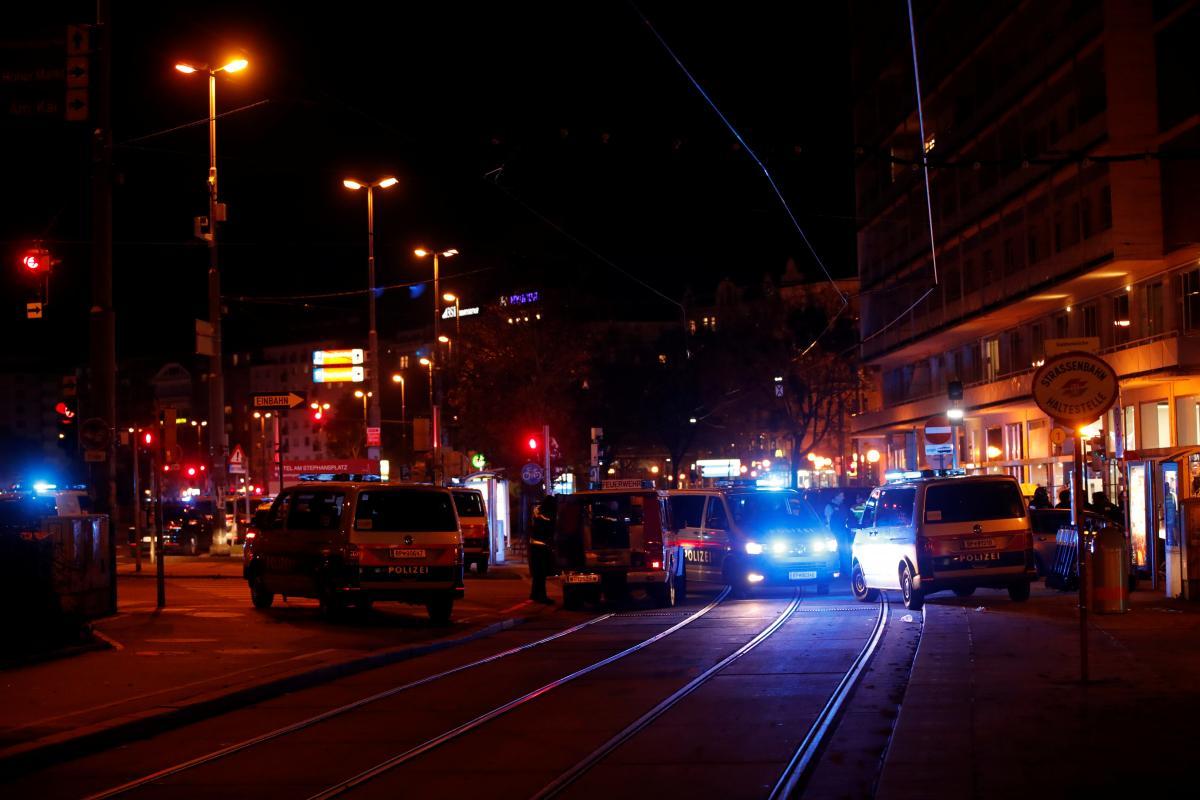 Вечером 2 ноября в Вене началась стрельба / фото REUTERS