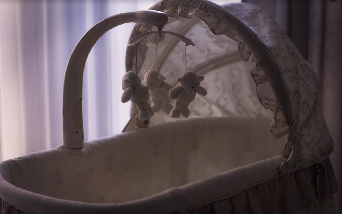 Ребенку сдавило шею, утром его тело обнаружила мать/ иллюстрация pixabay