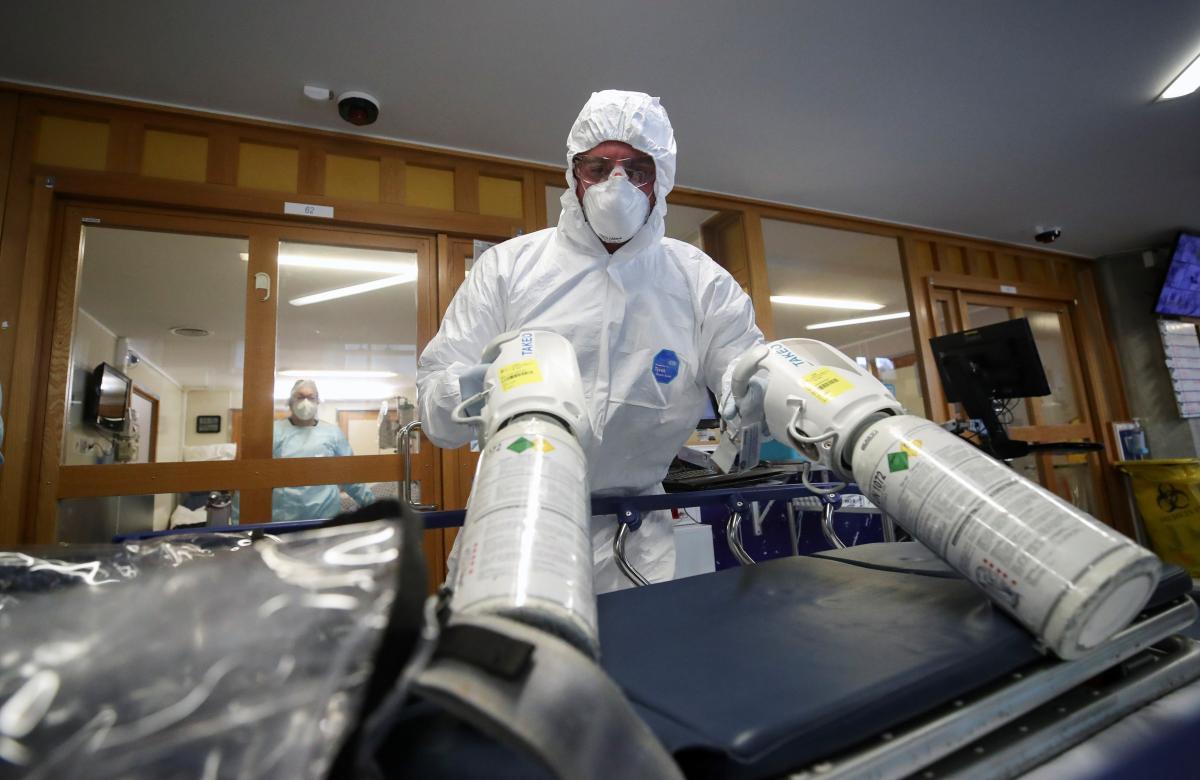 В больнице кислород дают из баллона, чистый / фото REUTERS