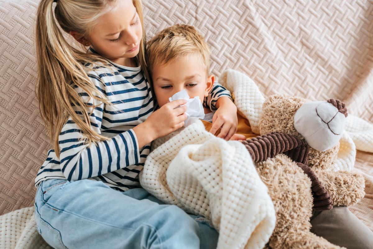 Почему после ОРЗ у детей насморк долго не проходит / фото ua.depositphotos.com