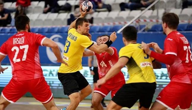 Украина уступила в обоих таймах / фото eurohandball.com