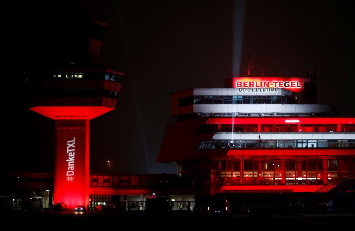Последний день работы аэропорта Берлин-Тегель / фото REUTERS