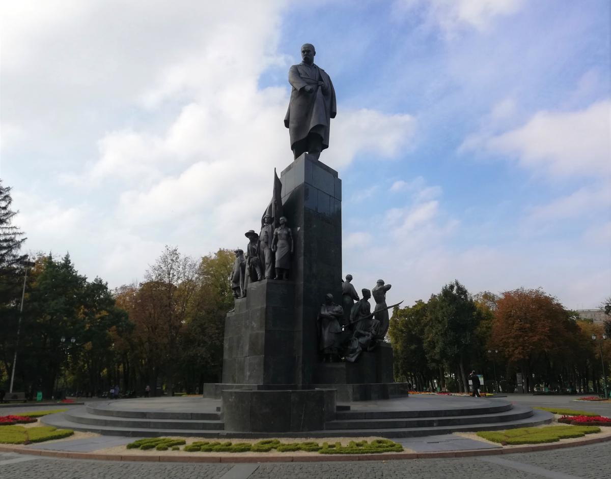 Пам'ятник Тарасу Шевченку в Харкові / фото Марина Григоренко
