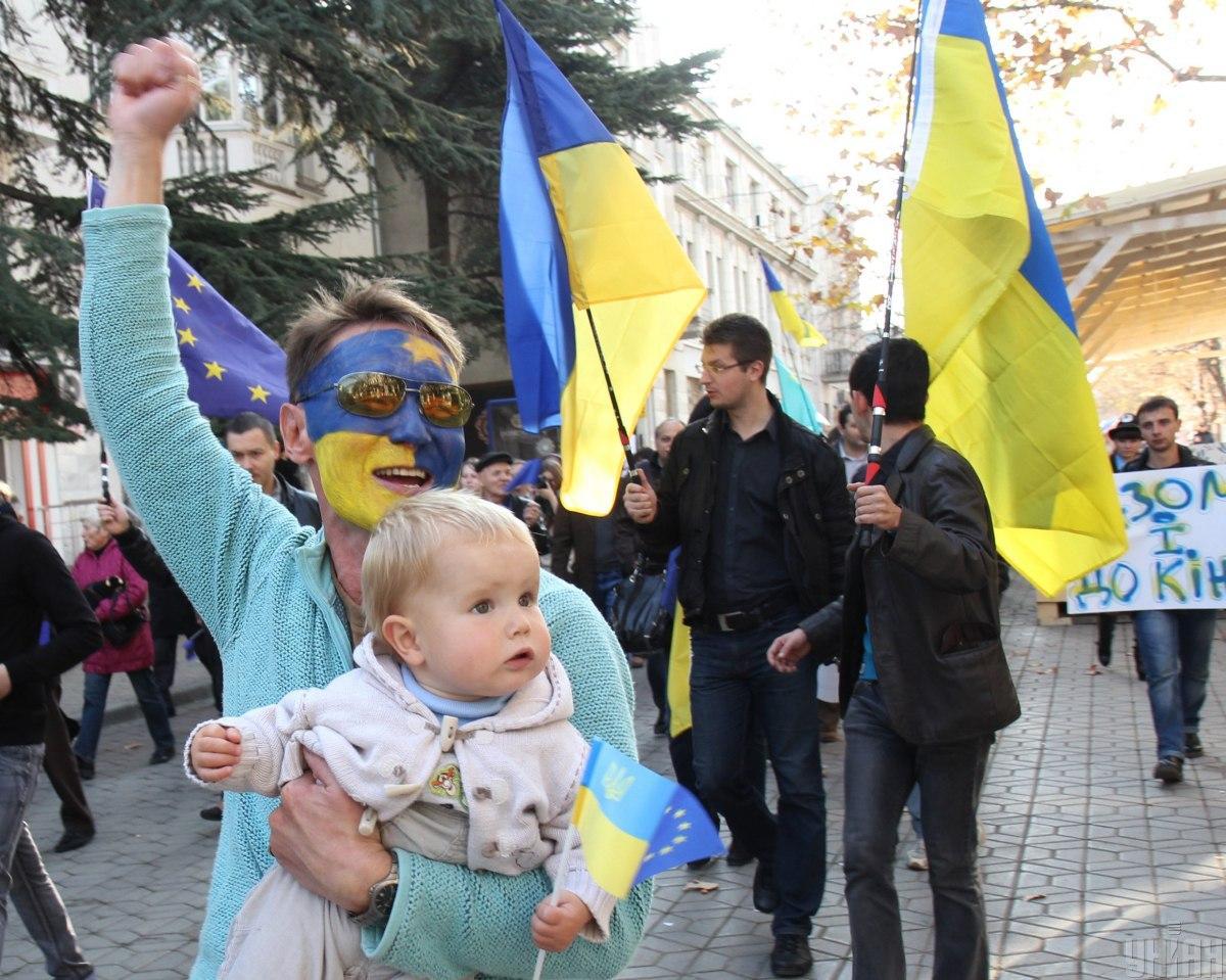 Сколько украинцев поддерживает вступление в ЕС и НАТО - результаты опроса / Фото УНИАН, Александр Молчанов