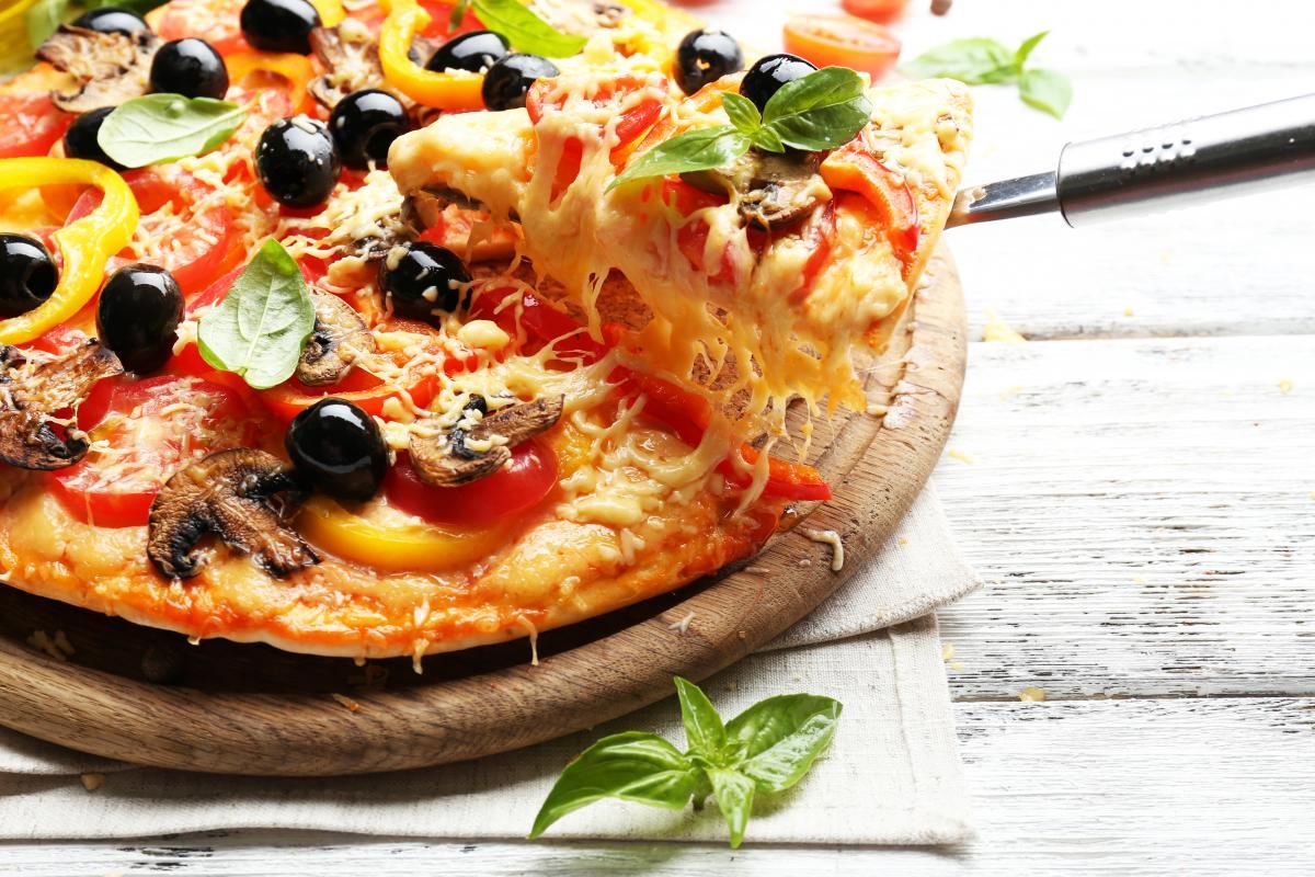 Пицца в мультиварке рецепт / фото ua.depositphotos.com