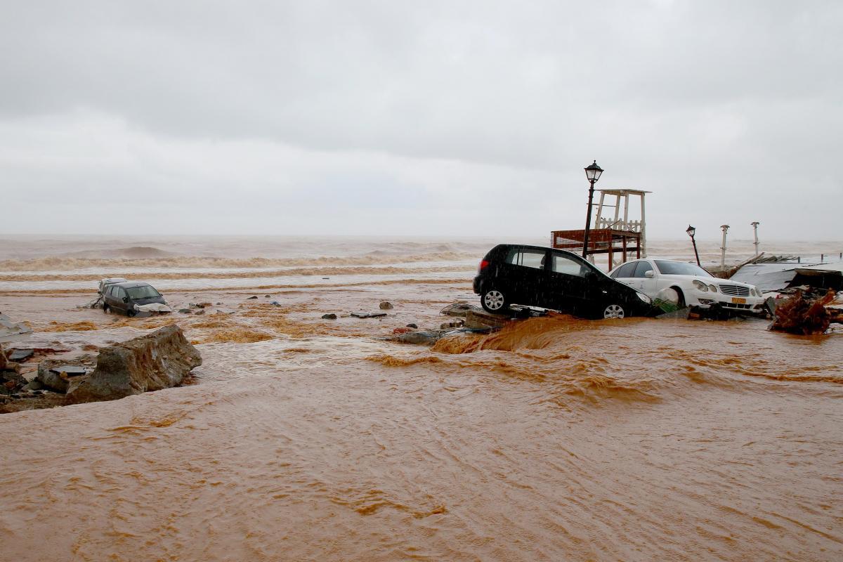 В район, пострадавший от наводнения, направлено несколько бригад спасателей / Иллюстрация REUTERS
