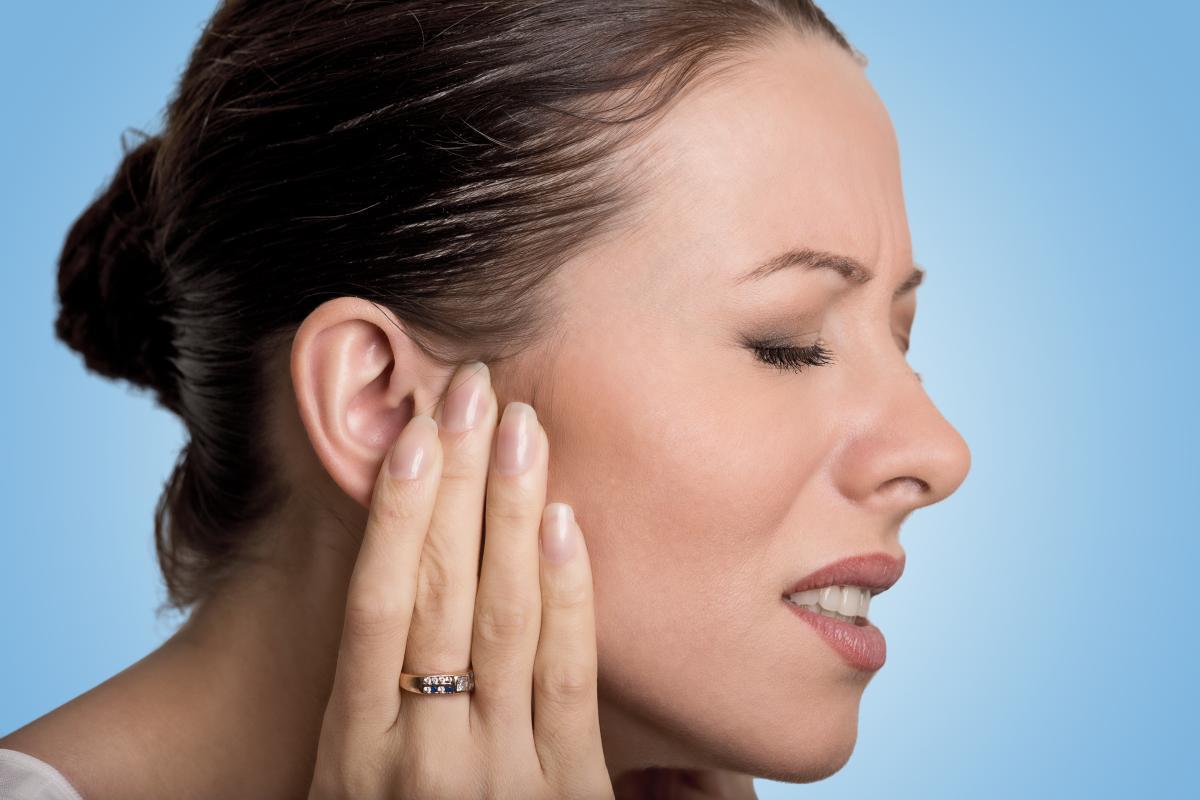 Біль у вусі - причини / фото ua.depositphotos.com