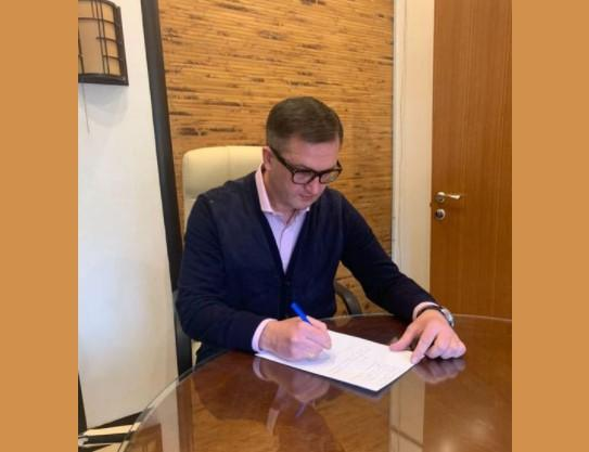 Уманский написал заявление на увольнение / фото Игорь Уманский, Facebook
