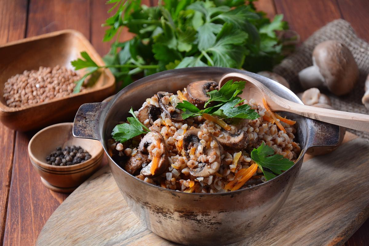 Рецепт гречки с грибами / фото ua.depositphotos.com