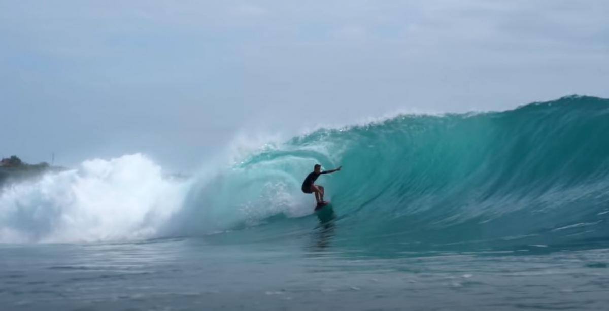 "Серфинг на Бали как религия / фото пресс-службы "" 1 + 1»"