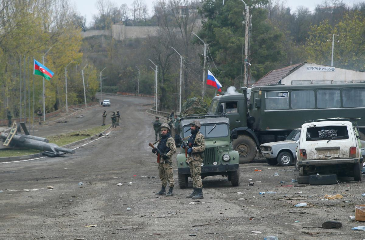 Нагорный Карабах - между сторонами состоялся обмен погибшими военным / REUTERS