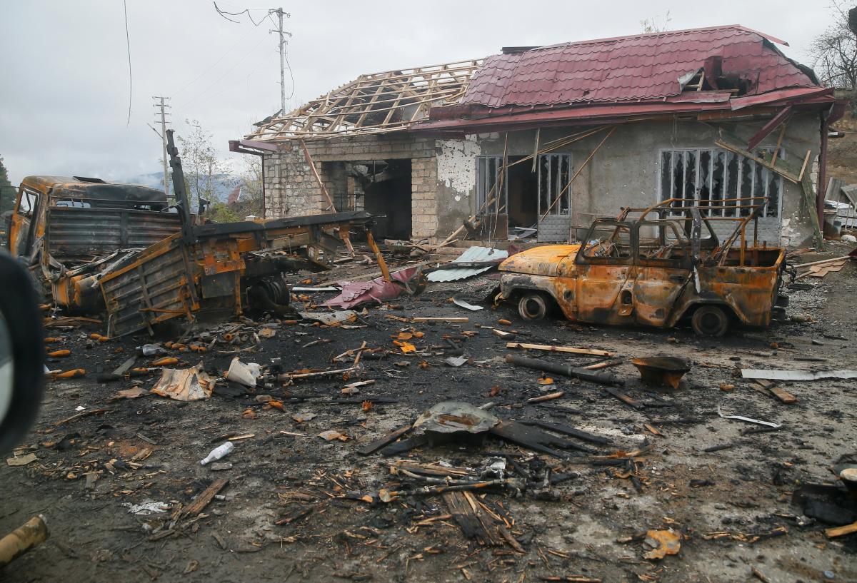 Вірменія та Азербайджан домовилися про припинення вогню у Нагурному Карабасі / фото REUTERS