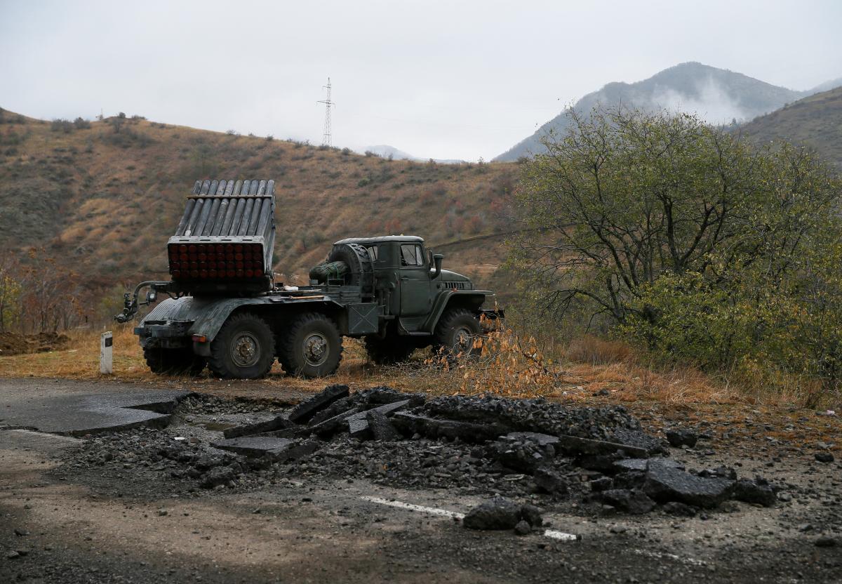 По данным армянской стороны, наступление началось в районе поселковСтарый Таглар-Хцаберд / фото REUTERS