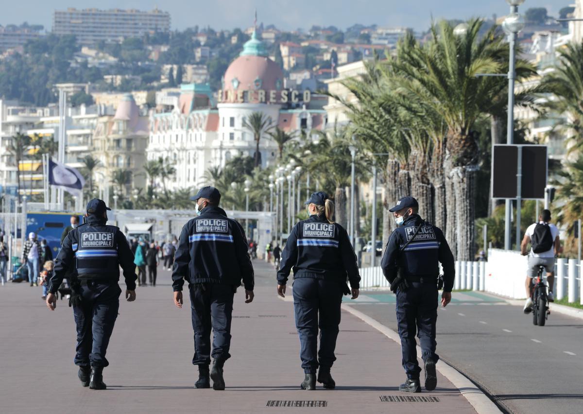 """Франція перемістилася до """"зеленої"""" зони / фото REUTERS"""