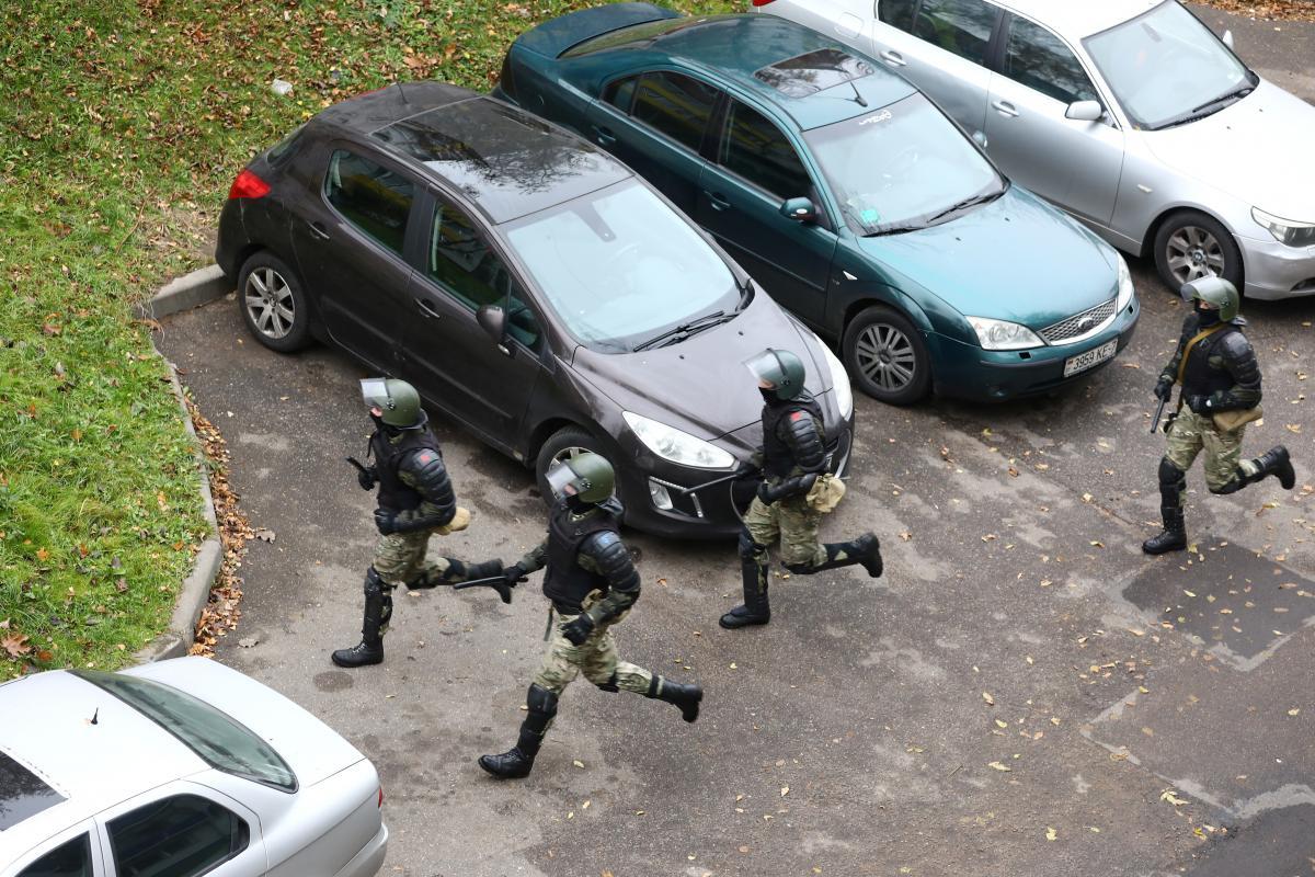 В Беларуси силовики могут задержать кого-угодно/ фото REUTERS