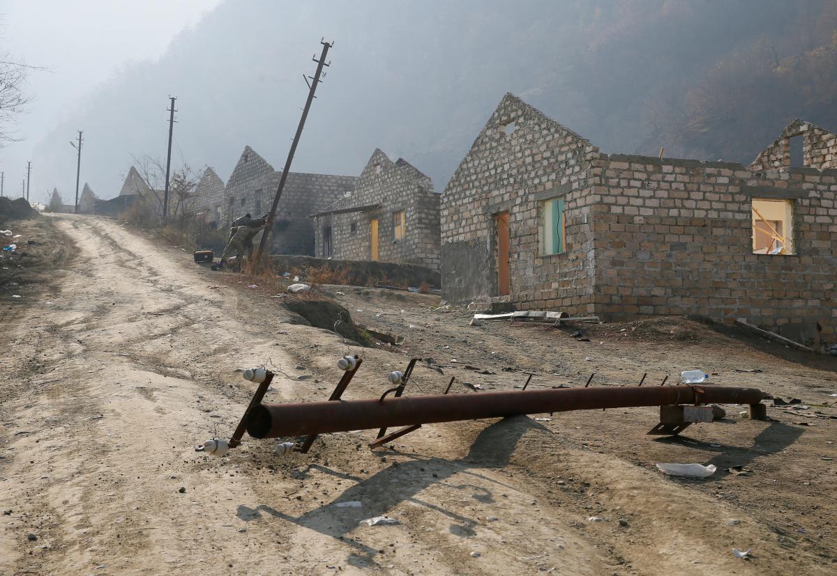 Вірменія до 15 листопада повертає Азербайджану Кельбаджарський район, а до 1 грудня - Лачинський район / фото REUTERS