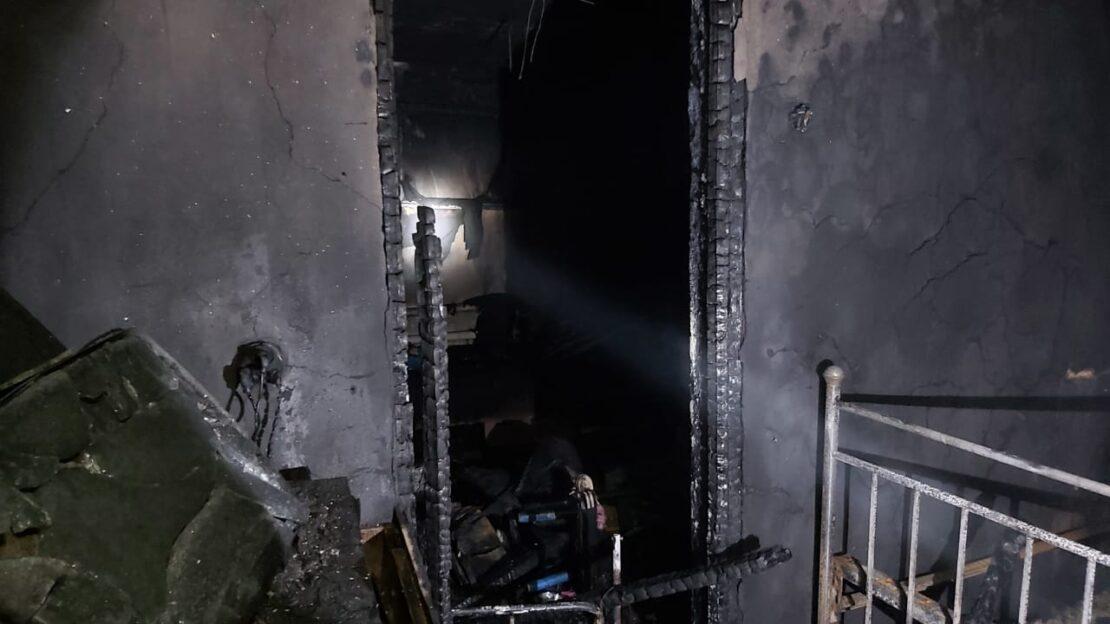 """На Днепропетровщине заживо сгорели трое малолетних детей / фото """"Наш город"""""""