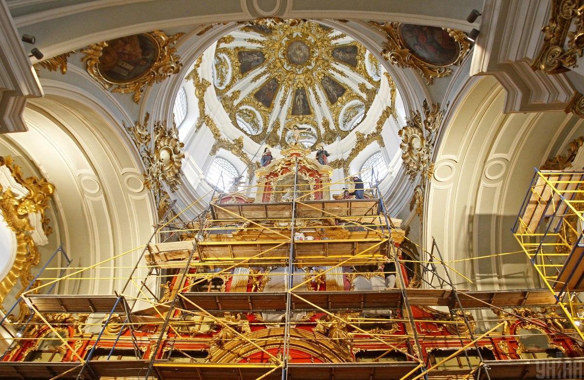 Андреевская церковь уже несколько лет на реконструкции / фото УНИАН (Борис Корпусенко)