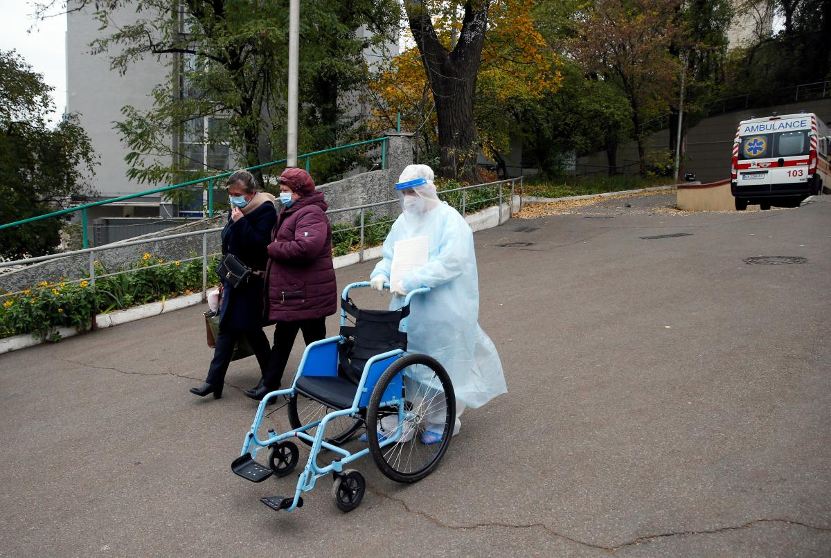 У Запорізькій області за минулу добу 65 хворих вилікувалося від коронавірусу / фото REUTERS