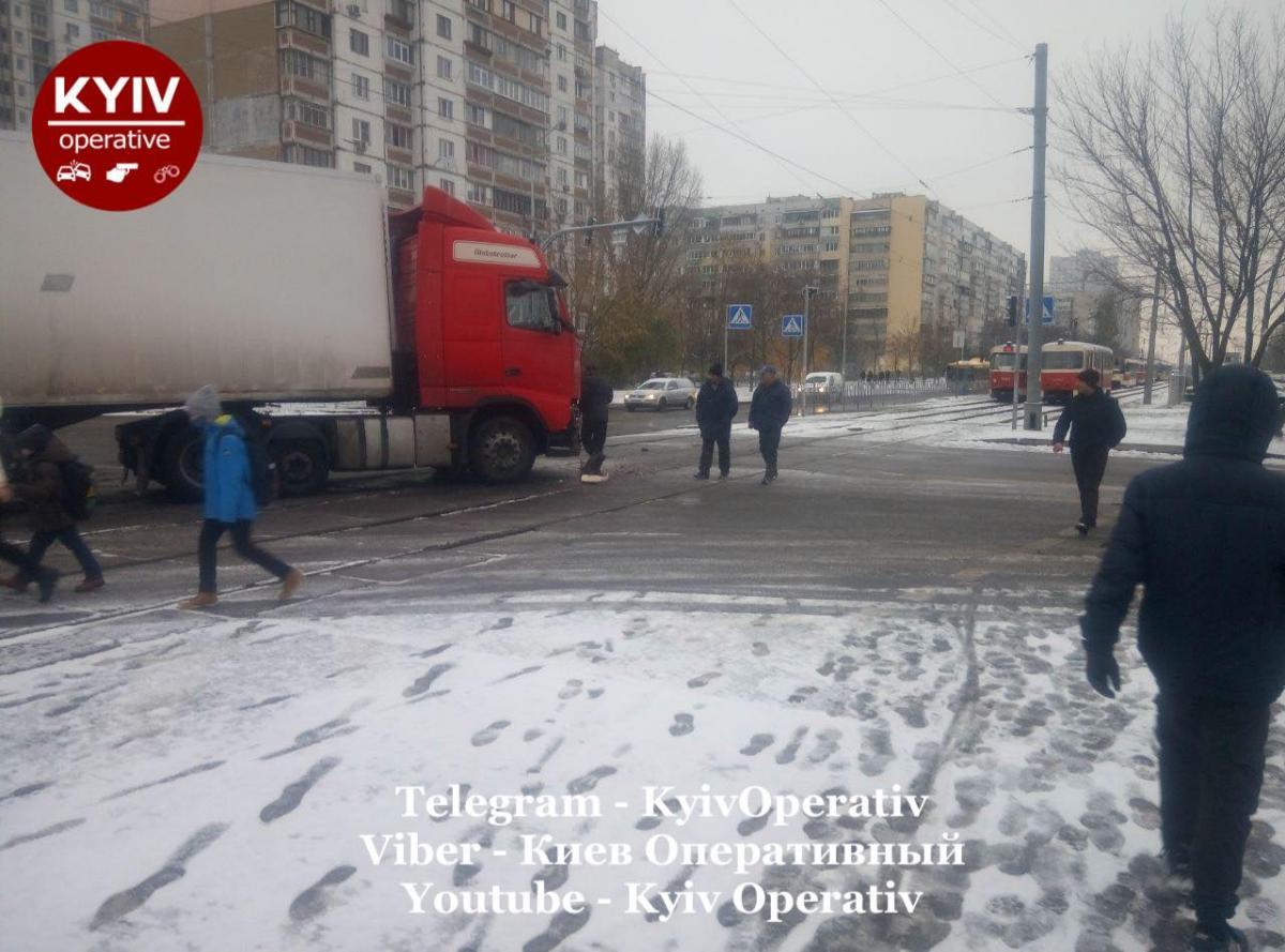 ДТП на Троєщині / Киев Оперативный Facebook