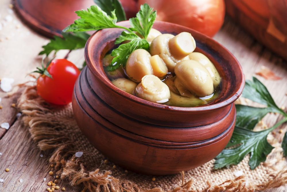 Маринад для грибов рецепт / фото ua.depositphotos.com