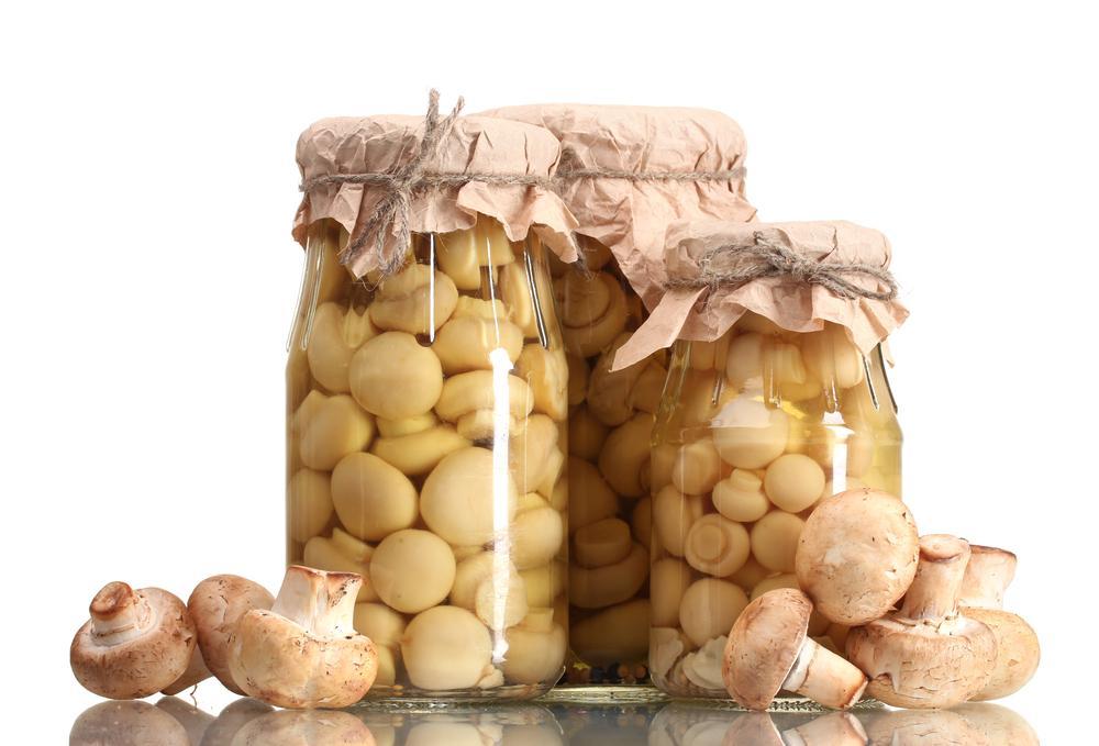 Как мариновать грибы на зиму рецепт / фото ua.depositphotos.com