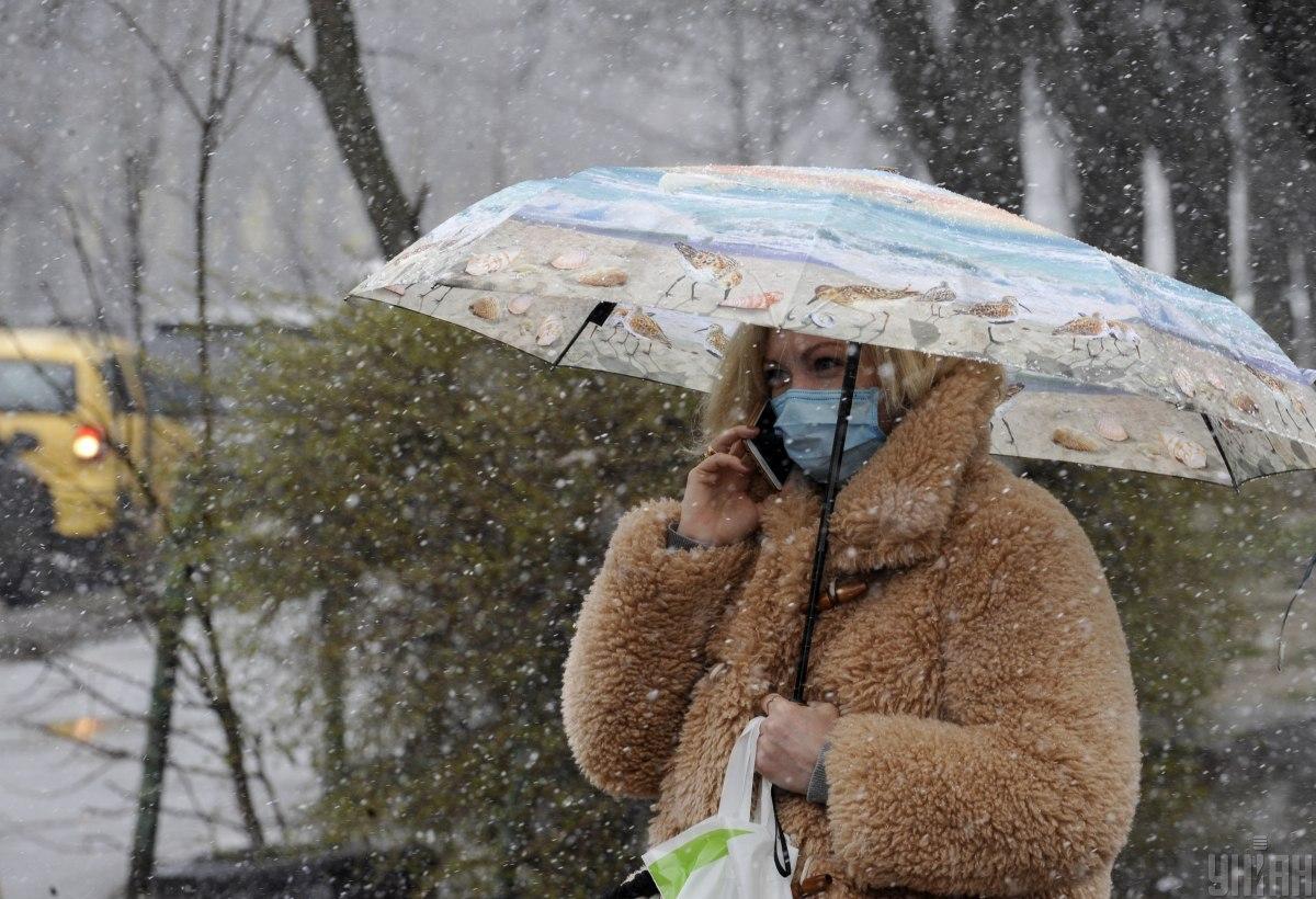 У суботу в Україні очікується сніг / фото УНІАН