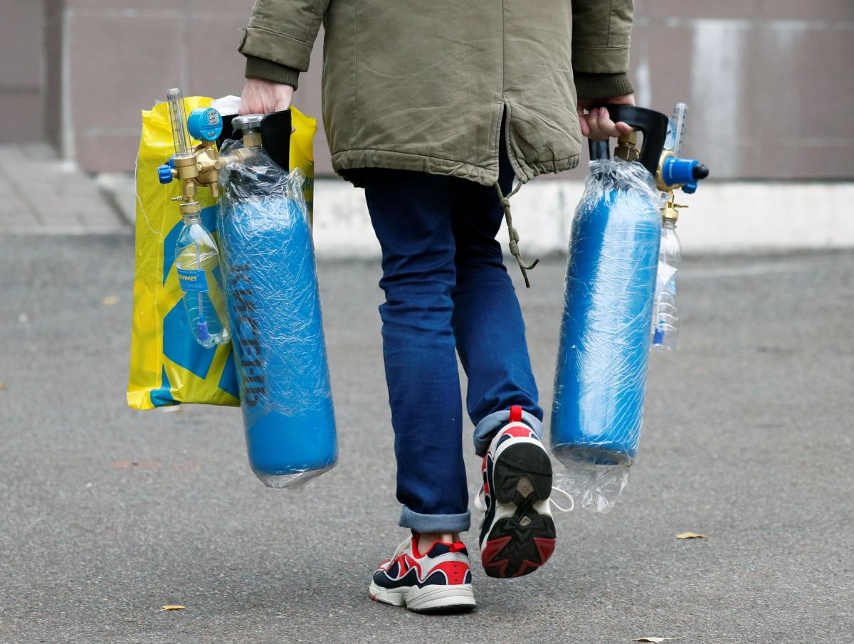 Для медучреждений отгружены первые 9 тонн кислорода / фото REUTERS