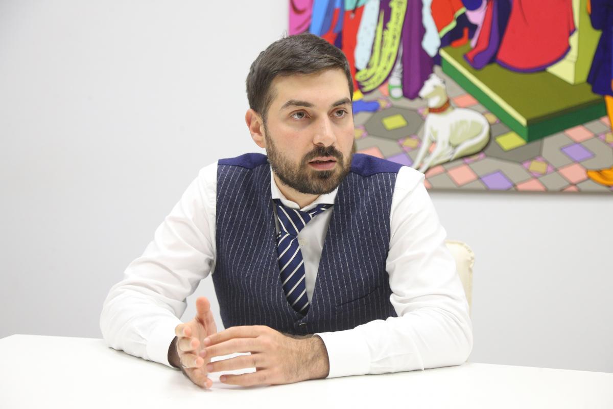 Адвокат АртемАфян розповів про перший укладений партнерський договір ЛГБТ-пари в Україні/ фото УНІАН