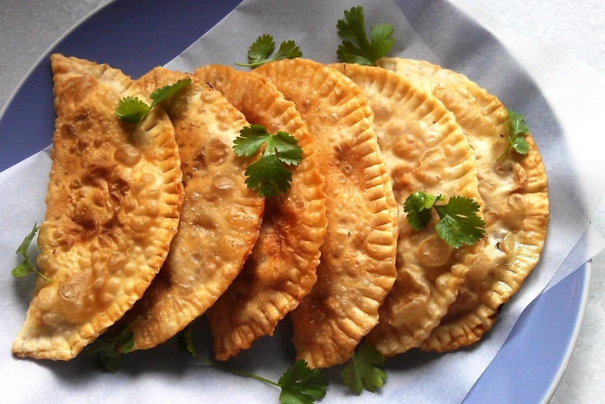 Рецепт смачних чебуреків / фото ksenichka.pp.ua