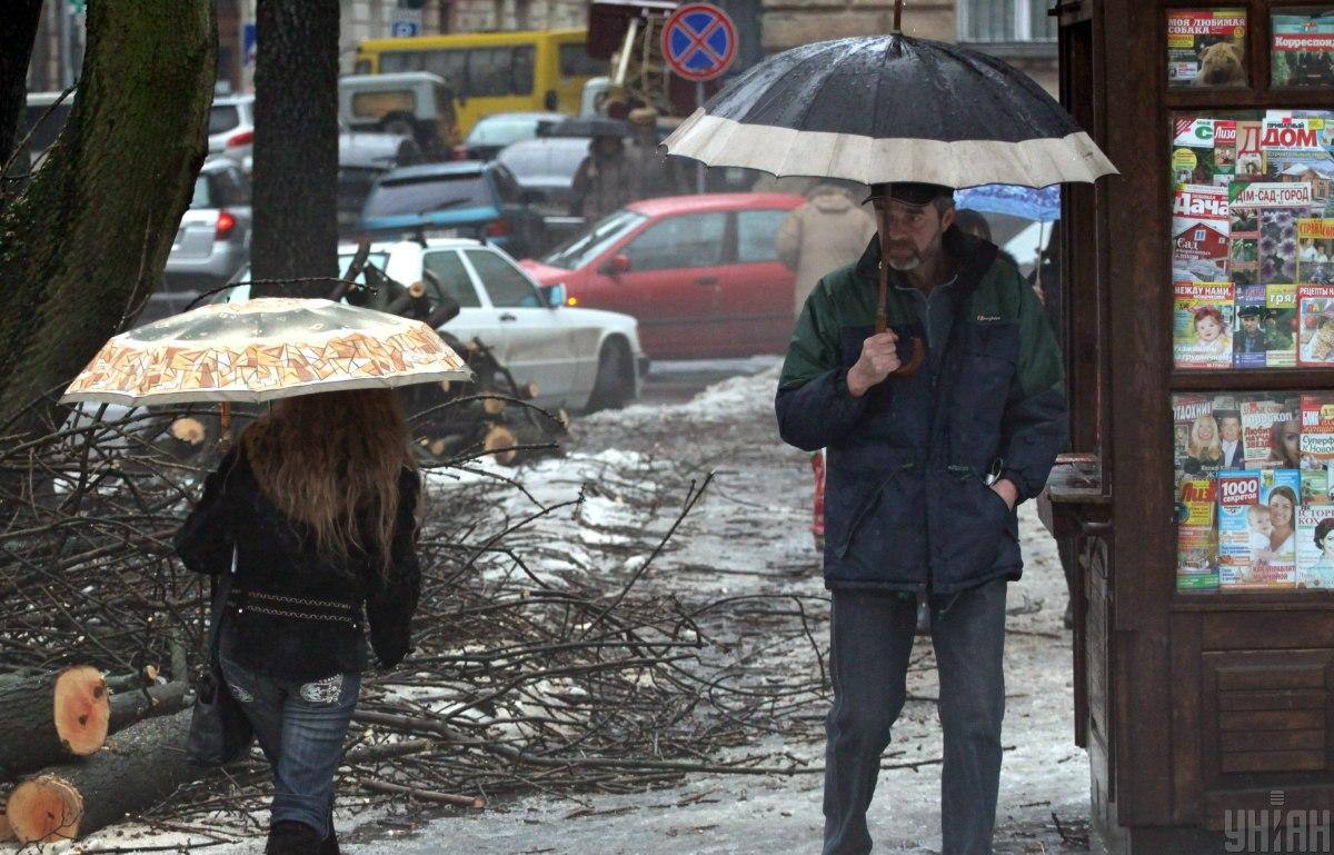 Ситуация на дорогах значительно ухудшилась / фото УНИАН
