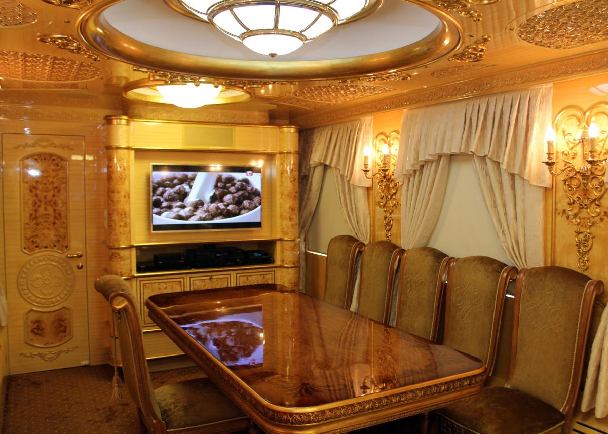 """Пшонкастайл"" и жлобство: в соцсетях бурно обсуждают VIP-вагоны от ""Укрзализныци"""