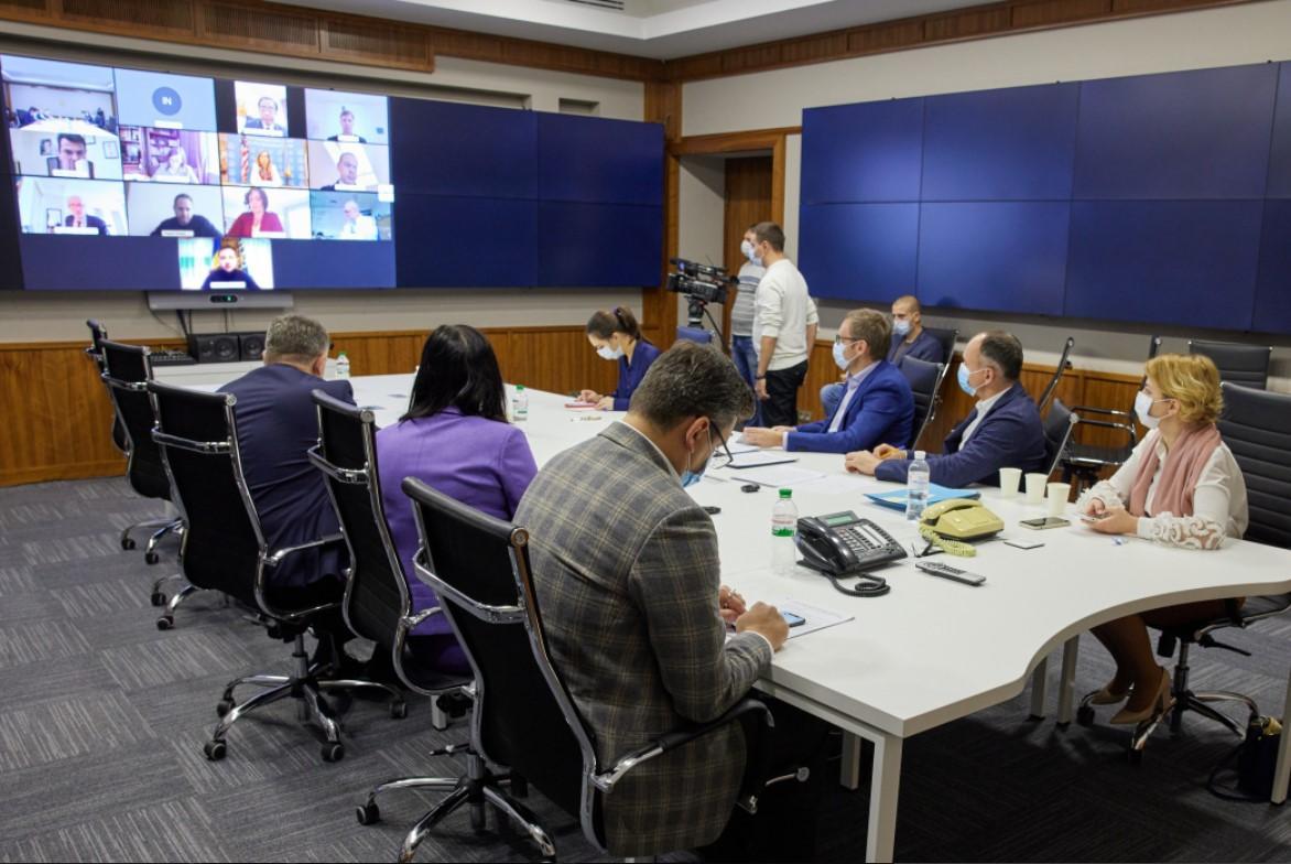 Президент подчеркнул, что перед украинской властью стоит стратегическая задача – реформа судебной системы / фото пресс-служба президента