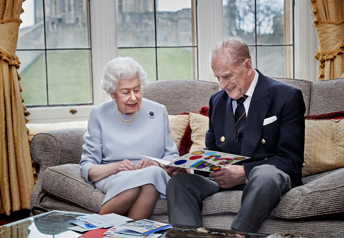 Елизавета II и принц Филипп поженились 73 года назад \ фото instagram.com/theroyalfamily