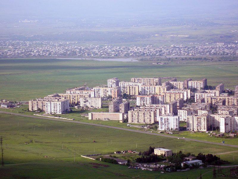 У Руставі розташовано понад 20 діючих заводів / фото mygeotrip