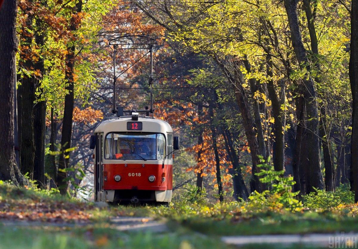 У столичному трамваї постраждала дівчина / фото УНІАН