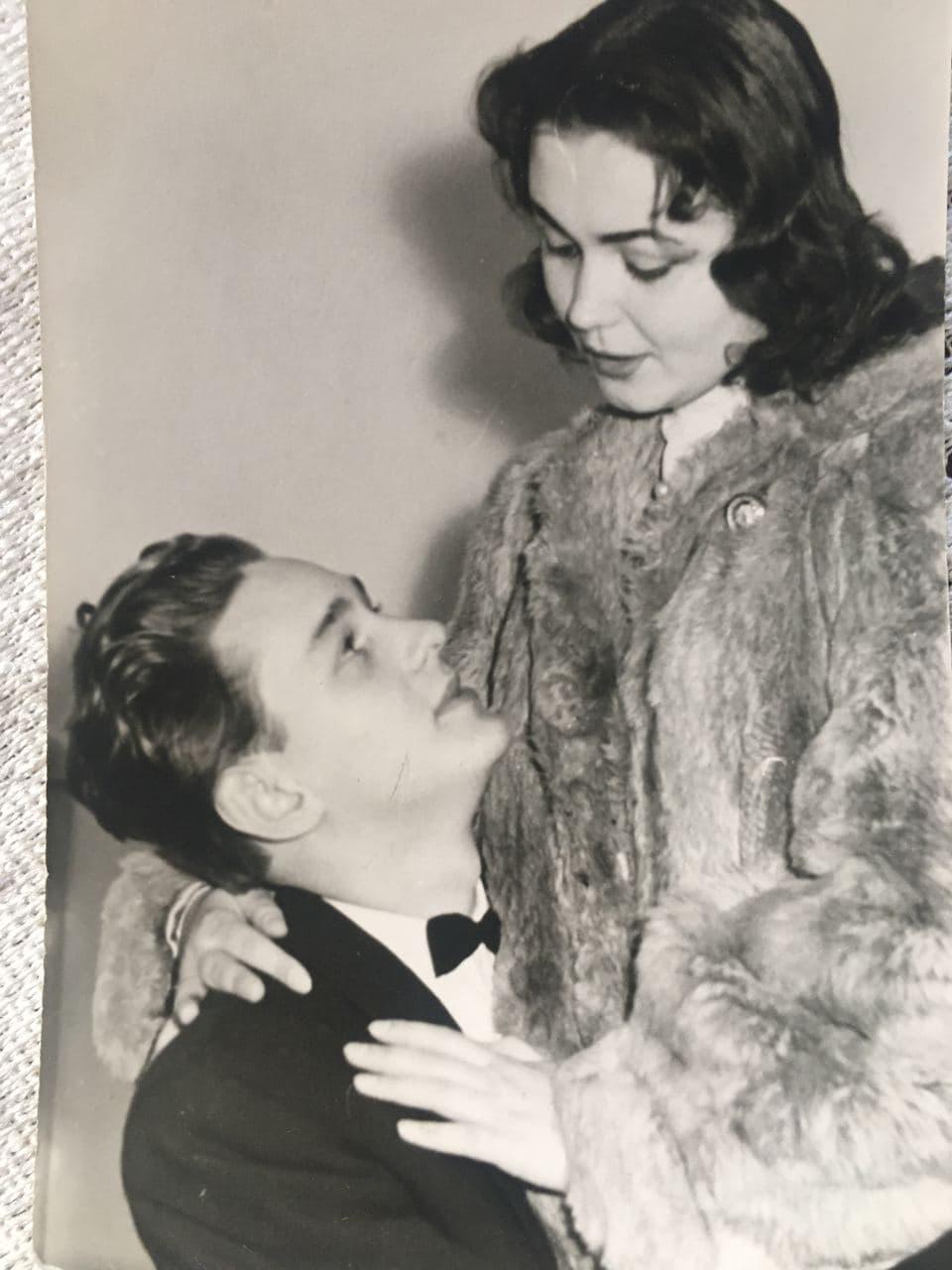 Актори завжди підтримували зв'язок телефоном / фотоз особистого архіву Жанни Тугай