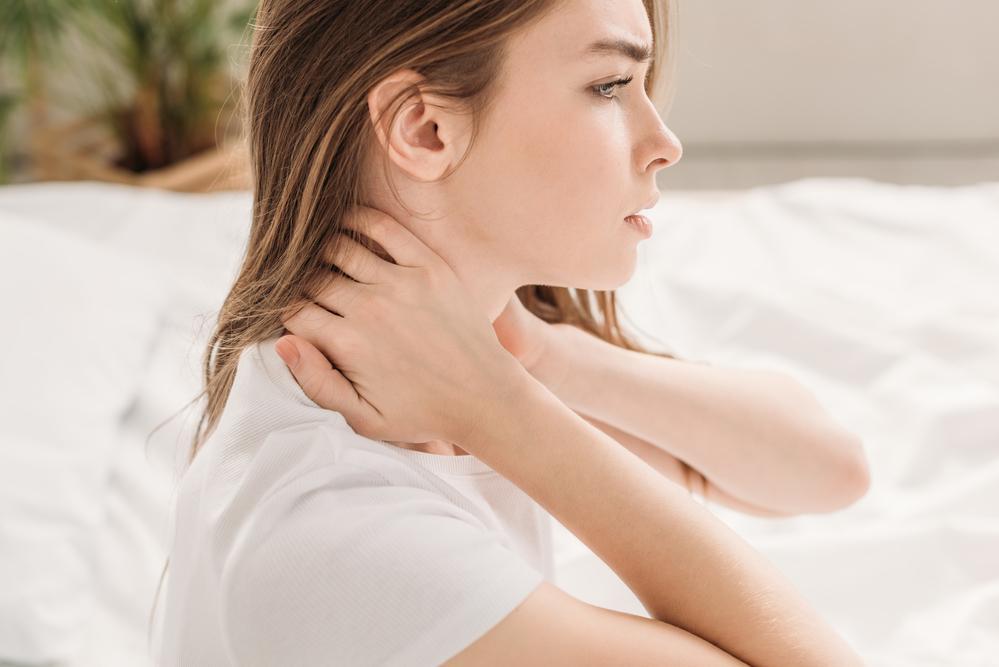 Болит шея - причины и лечение / фото ua.depositphotos.com