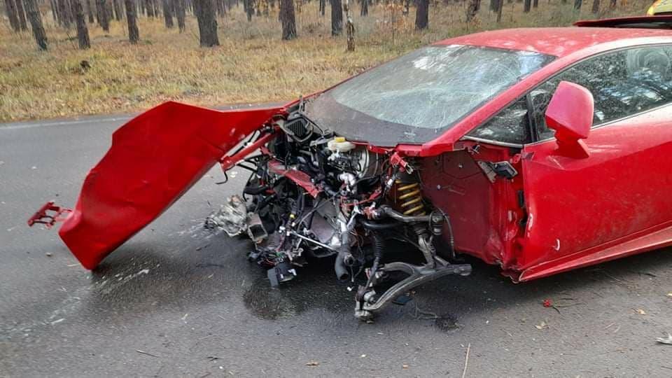 Водитель был пристегнут ремнем безопасности и остался жив, говорят участники съемок / фото УНИАН