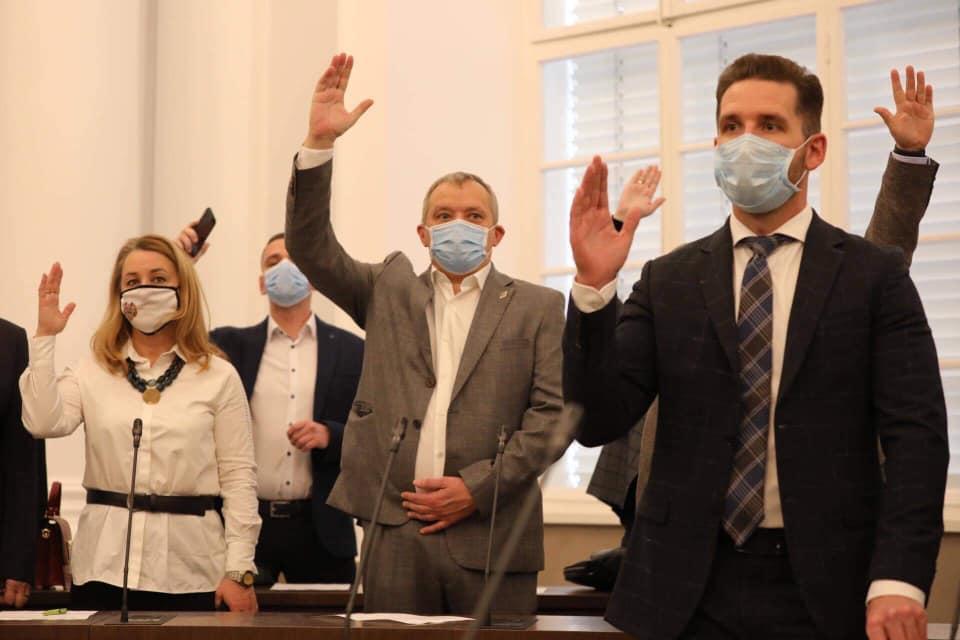 У Садового считают, что депутаты отстранили мэра от выполнения полномочий / фото Facebook Andriy Moskalenko