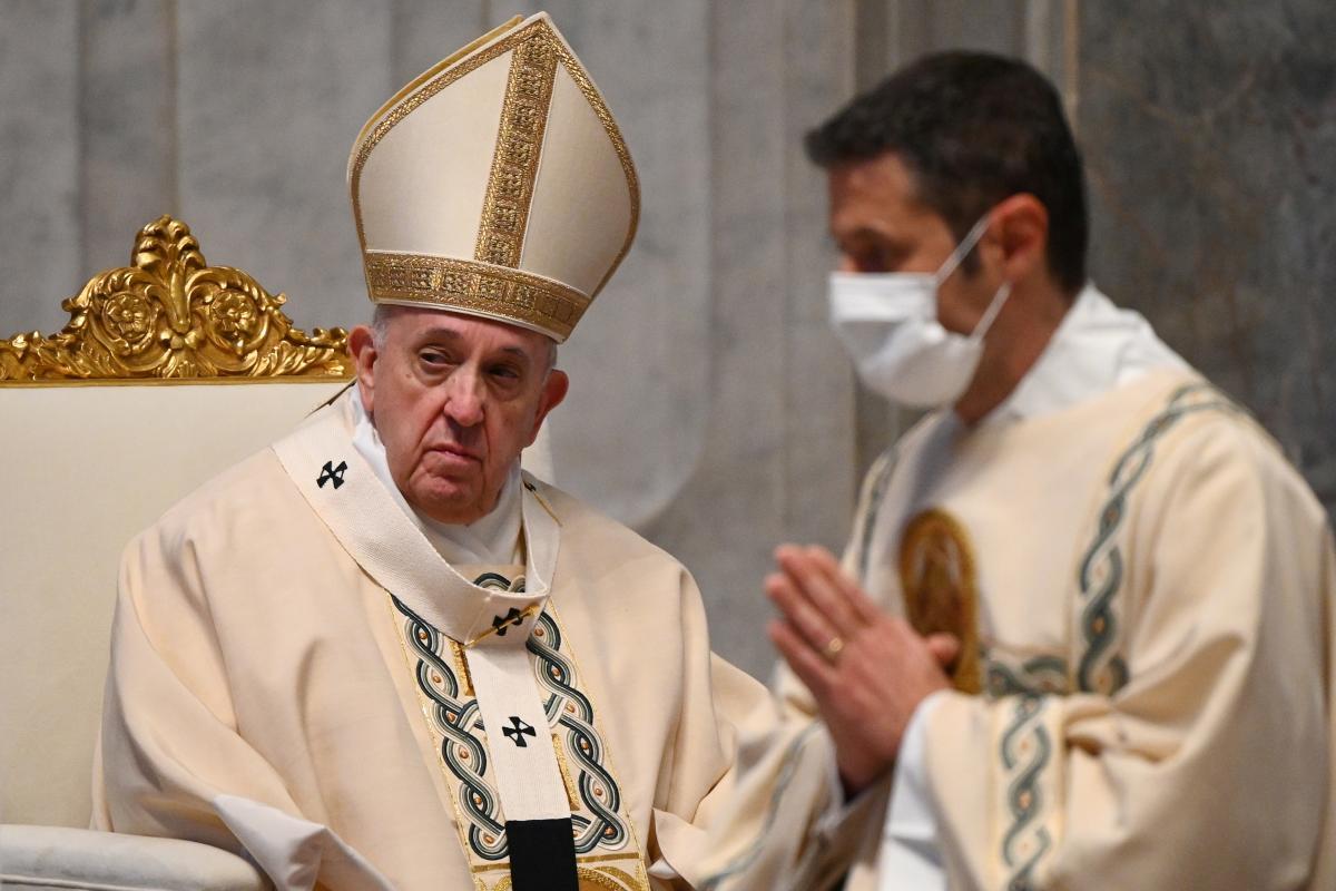 Папа Римский раскритиковал антимасочников / фото REUTERS