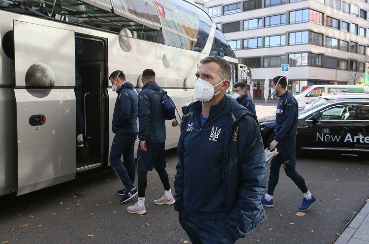 Сборная Украины перемещалась на двух автобусах / фото УАФ